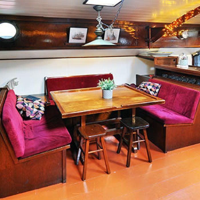 chateauroux-unter-deck-sitzecke